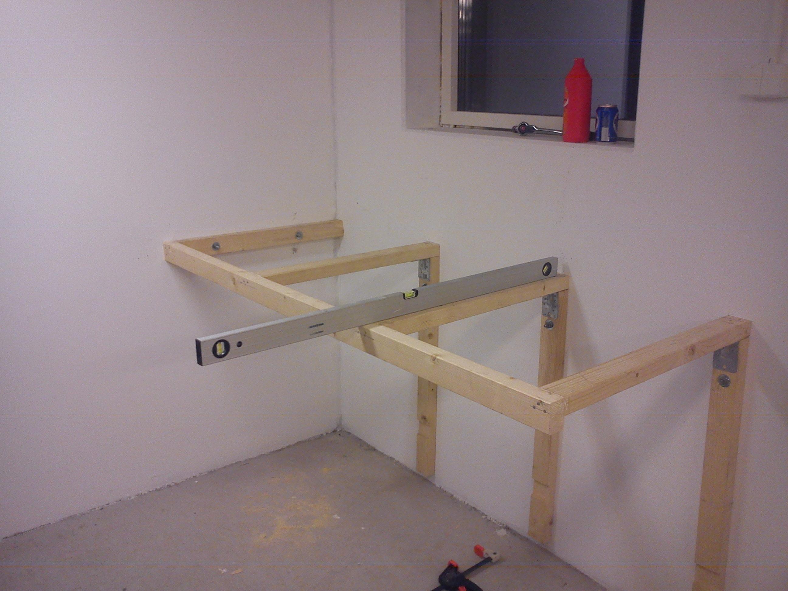 Bygga väggfast arbetsbänk