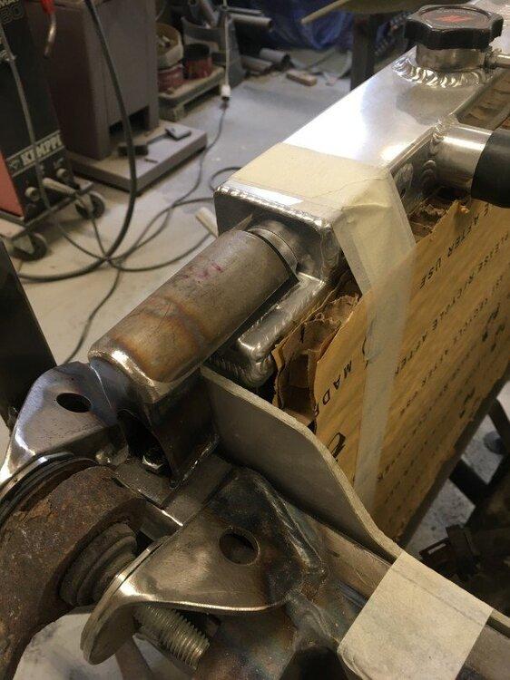 LHupperradiatormount.jpg